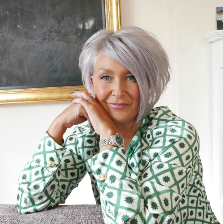 How to go gray gracefully - woman with silver bob
