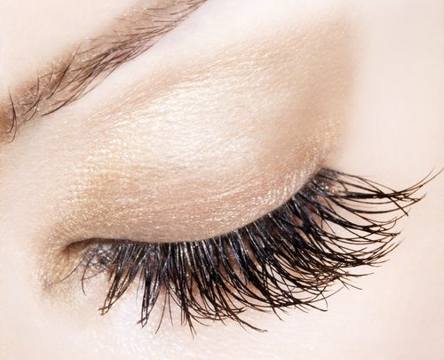 Lash extensions~ Learn more about them in today's Fashion Flash