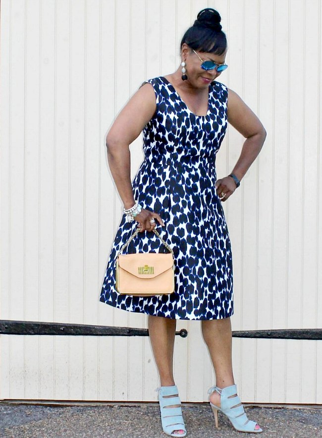 Print dress with sexy, blue suede lace-up sandals