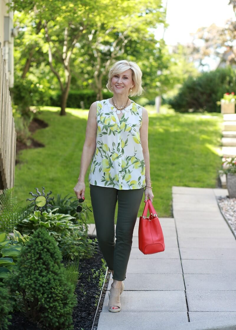 citrus blouse green jeans 1