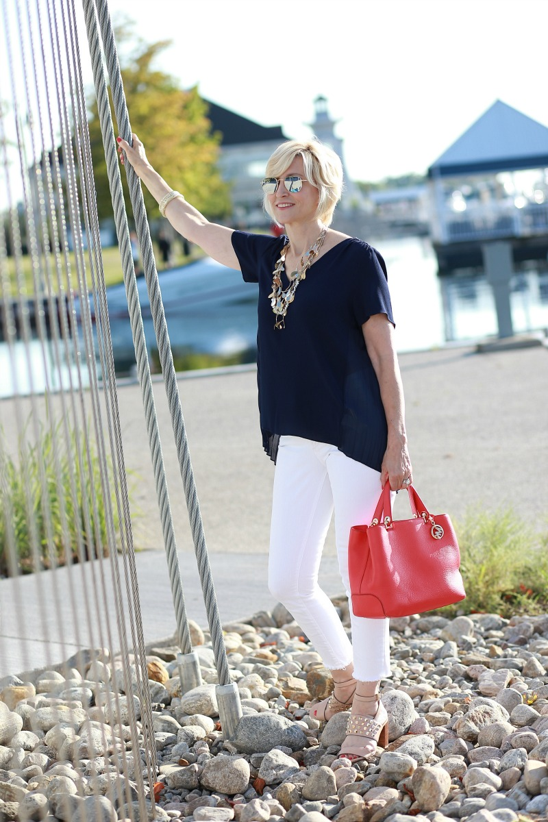 navy blouse white jeans